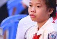 Ánh mắt vương vấn buồn của con gái Trần Lập trong ngày khai giảng