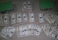 Phát hiện vali tiền tỉ khi chịu dọn nhà