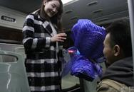 Chàng trai thuê xe buýt để ngỏ lời cầu hôn bạn gái