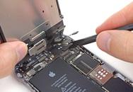 """Kinh nghiệm tránh bị """"luộc"""" linh kiện khi đi sửa iPhone bị rơi nước"""