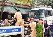 Xe tải tông hai mẹ con chết thảm, bé trai văng gầm taxi thoát chết