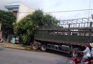 Xe tải mất lái đâm sập nhà dân
