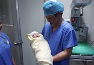 Thái Nguyên: Em bé đầu tiên ra đời bằng phương pháp thụ tinh ống nghiệm IVF