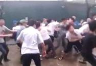 Thầy giáo Ngữ văn bị 3 thanh niên hành hung trong trường