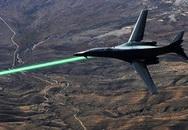Điều tra động cơ chiếu tia laser vào máy bay