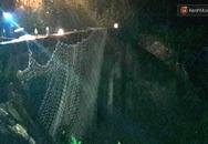 Trắng đêm giăng lưới tìm bé trai bị nước mưa cuốn xuống cống khi đang đẩy giúp xe chết máy