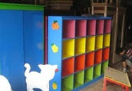 Bé 6 tuổi tử vong vì tủ gỗ trường mầm non đè