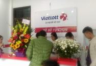 Người Hà Nội háo hức trong ngày đầu xổ số Vietlott khai trương