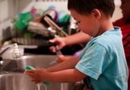 Muốn con thành công về sau, hãy cho trẻ làm việc nhà