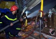 Vợ chồng giám đốc tuột trụ điện thoát khỏi đám cháy