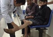 Vừ Mí Pó - cậu bé đầu gối như cái trống được về Hà Nội chữa bệnh