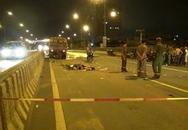Xe máy cắm chặt vào xe quét đường, 2 người tử vong