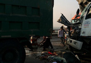Xe tải nát đầu, tài xế tử vong sau va chạm trên cầu Thanh Trì