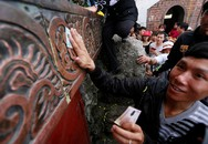 """Hết """"tháng ăn chơi"""", nhìn lại những hình ảnh báng bổ, phản cảm của người Việt"""