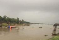 Tàu chở cát tông sập cầu Sông Hoàng