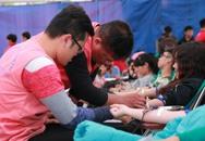 Hải Phòng: Hàng ngàn người hiến máu ở bờ hồ Tam Bạc