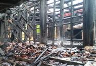 Một ngôi đền cổ hàng trăm năm tuổi ở Nghệ an bị cháy rụi