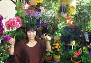 Ngỡ ngàng ban công chỉ 2m² trồng được hàng chục loại hoa trái của mẹ Việt ở Đức