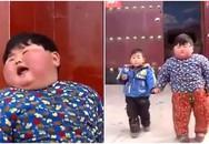 """Mẹ chiều chuộng cho ăn uống thoải mái, bé 2 tuổi có cân nặng """"khủng"""" gần 40kg, chân biến dạng"""