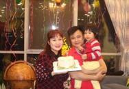 Nghệ sĩ Tự Long xúc động, hạnh phúc bên vợ con sinh nhật tuổi 44