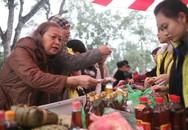 """Ấm lòng chợ Tết """"0 đồng"""" cho người nghèo"""