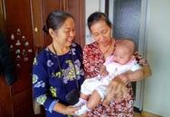 Hà Nội: Xôn xao bé gái gần 6 tháng tuổi bất ngờ bỏ rơi tại tầng 9 chung cư