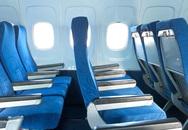 Tại sao ghế máy bay thường không thẳng hàng với cửa sổ