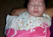 Bé gái 3 tháng tuổi bị bỏ rơi bên vệ đường cùng bức thư của mẹ