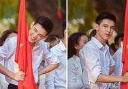 10X cầm cờ nổi bật ngày khai giảng sợ hãi trước 'cơn bão hâm mộ'