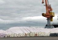 """Cảng vụ hàng hải Hải Phòng: Họp khẩn bàn giải pháp hàng vạn tấn lưu huỳnh """"lộ thiên"""""""
