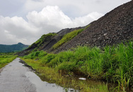 Đại Từ - Thái Nguyên: Người dân phản đối hoạt động khai thác than, ném đá vào lực lượng chức năng
