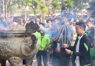 Thái Bình: Hàng ngìn người đổ về chùa Keo cầu bình an năm mới