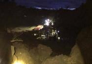 Hòa Bình: Sạt lở trong đêm, 18 người dân bị vùi lấp