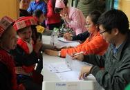 Khám miễn phí cho người dân miền núi nghèo dịp Tết Đinh Dậu