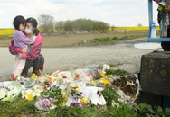 """Bố mẹ bé gái Việt rơi nước mắt khi bạn học cùng con nói: """"Huy chương vàng này cháu dành cho bạn Linh"""""""