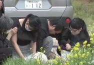Gia đình khóc ngất khi lần đầu đến thắp hương nơi phát hiện thi thể bé Nhật Linh