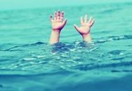 Bé trai 12 tuổi đuối nước trong hồ đào ngay sau nhà