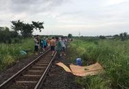Bị tàu hỏa tông chết khi đeo tai nghe đi bộ trên đường tàu