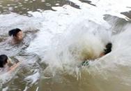 Bốn nữ sinh lớp 6 đuối nước khi tắm sông