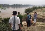 Bé gái 15 tuổi bị đuối nước khi ra bờ sông Hồng đổ chân nhang