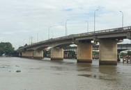 Nhiều người ngỡ ngàng khi thấy cô gái 20 tuổi gieo mình xuống sông Sài Gòn nghi tự tử
