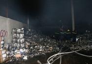 Công ty gạch và thiết bị vệ sinh cháy rụi trước thềm Tết Nguyên đán