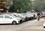 """Hà Nội: Tài xế """"sốt vó"""" tìm chỗ đậu xe"""