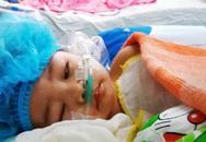 """Vụ cháu bé bị chấn thương sọ não khi gửi ở nhà trẻ: """"Nếu cấp cứu sớm, con tôi đã không bị nặng thế này"""""""