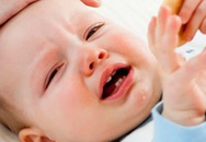 Những biểu hiện của trẻ sau khi ăn bố mẹ cần cho con đi viện ngay