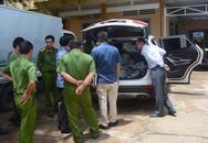 Ôtô gây tai nạn cuốn thi thể dưới gầm bỏ chạy 50 km