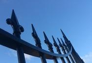 Hải Phòng: Cổng UBND xã đổ đè chết một học sinh