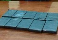 Phá chuyên án bắt đối tượng tàng trữ 10 bánh heroin
