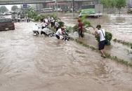 Hà Nội: Mở cửa hồ điều hòa, hơn 2.300 cán bộ ứng trực bão số 10