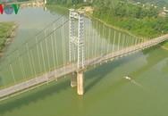 Người dân hoảng loạn khi thấy hai nữ sinh nhảy xuống sông Lam tự vẫn